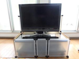 【100円均一DIY】我が家のテレビ台ガード【ベビーゲート】